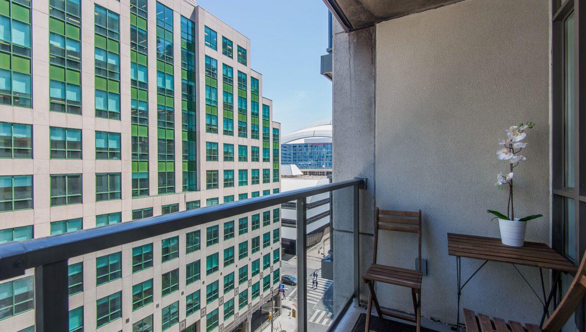 1009-20 Blue Jays Way - Balcony