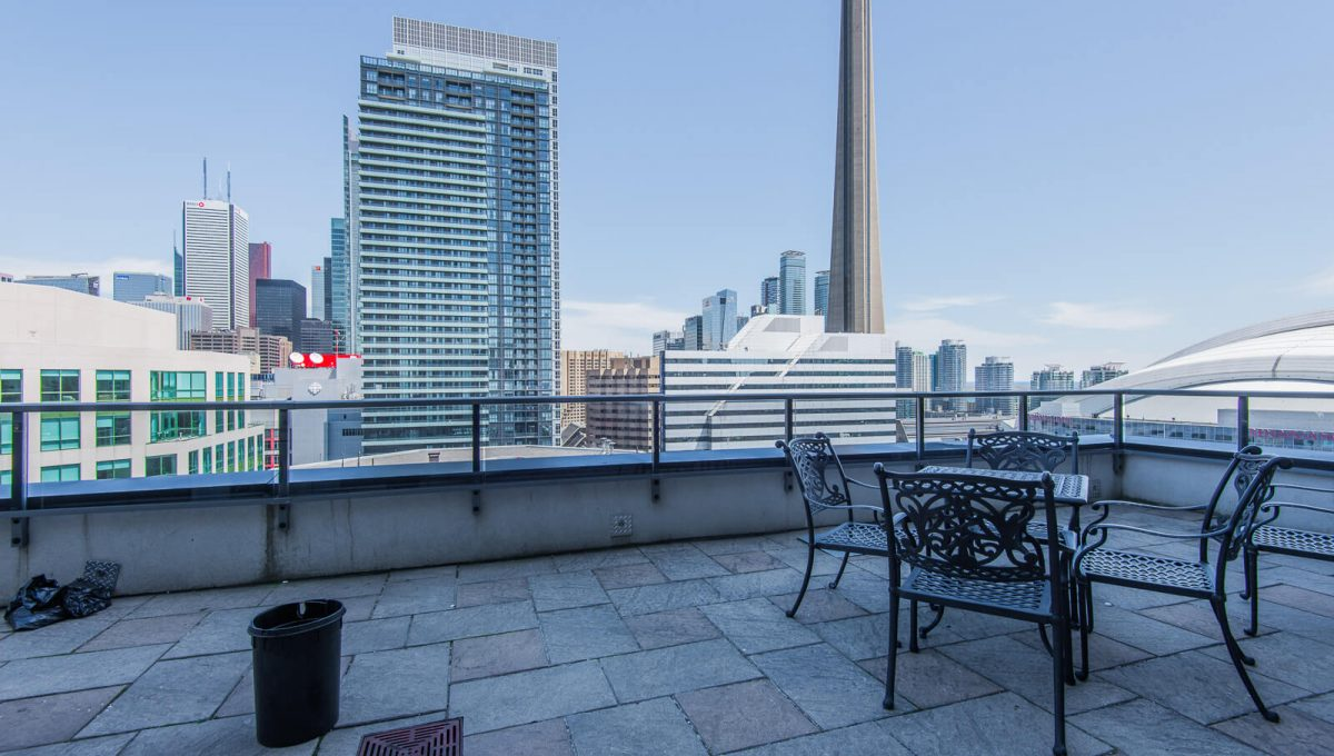 1009-20 Blue Jays Way - Rooftop