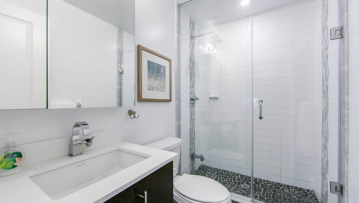 106-55 Oneida Cres - Bathroom