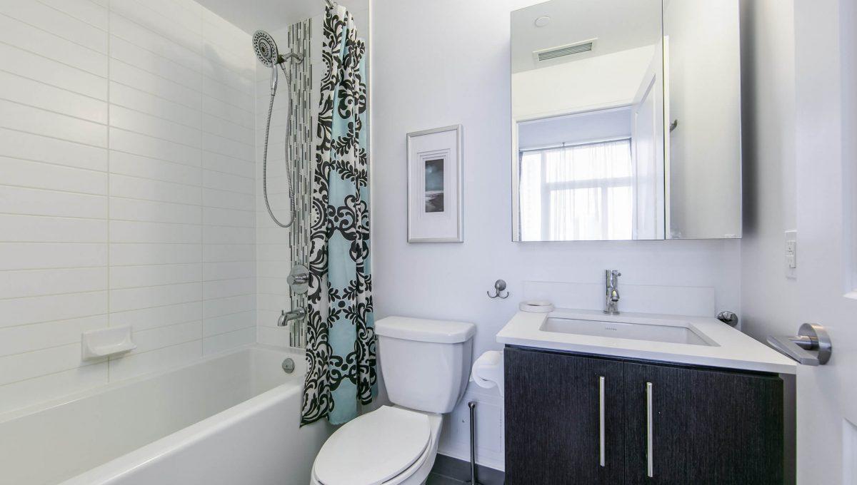 106-55 Oneida Cres - Ensuite bathroom
