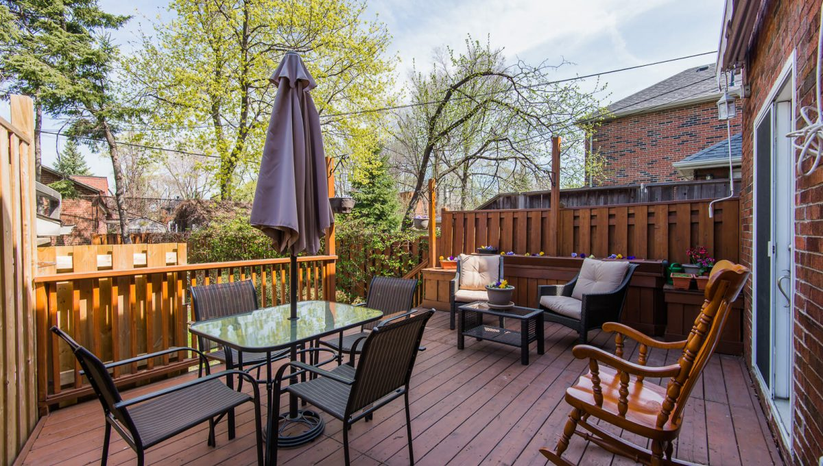 16 McRae Dr - Backyard patio