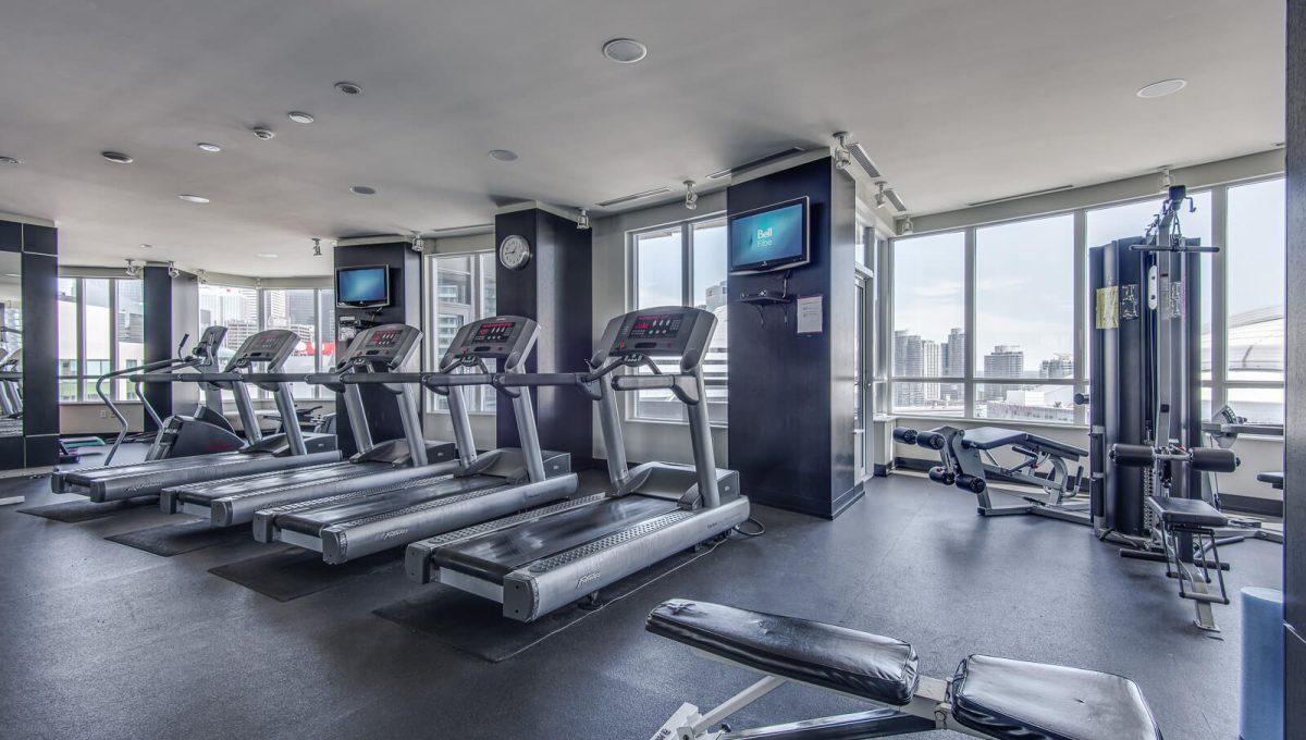 20 Blue Jays Way - Gym