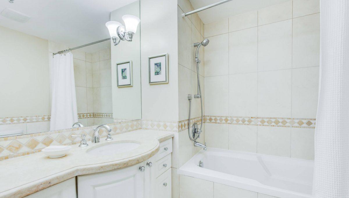 71 Dutch Myrtle Way - Bathroom