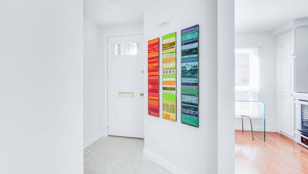 71 Dutch Myrtle Way - Foyer