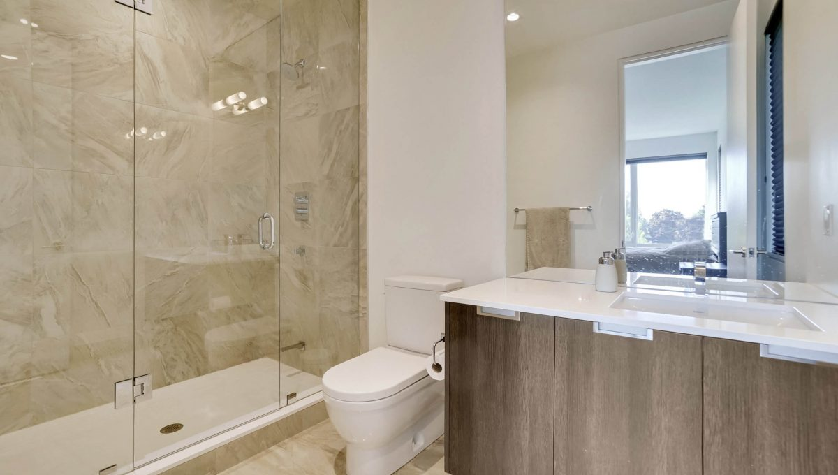 10 Valliere Place - Master Ensuite