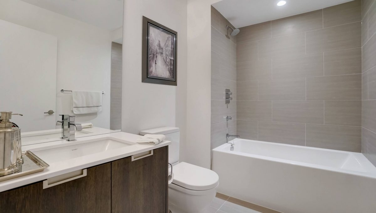 10 Valliere Place - Bathroom