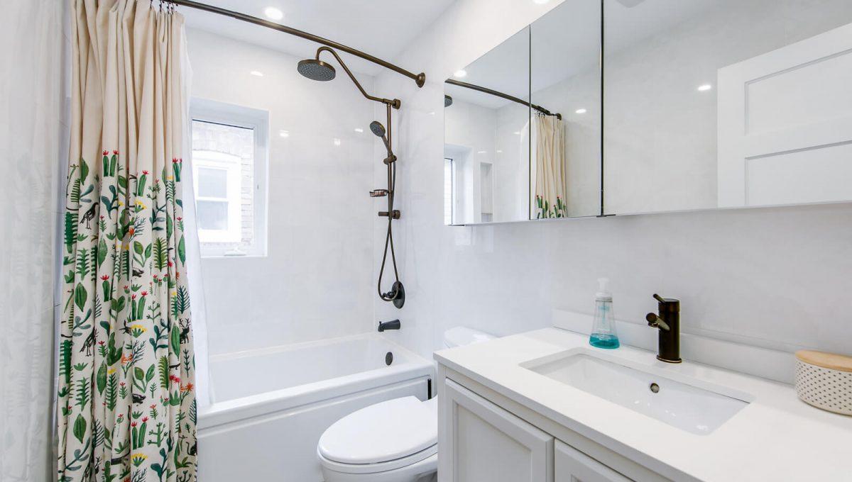 166 Winona Dr - Bathroom