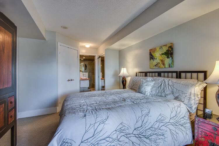 216-550 Queens Quay W - Master bedroom