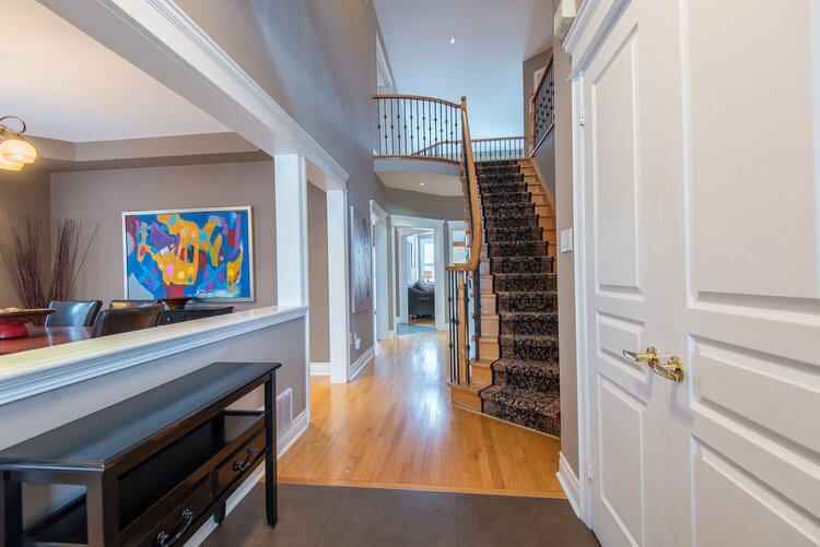 24 Cottontail Ave - Foyer