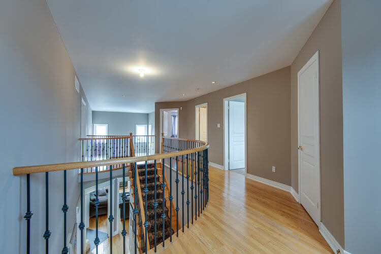 24 Cottontail Ave - Hallway