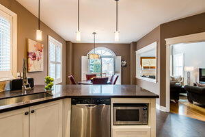 24 Cottontail Ave - Kitchen