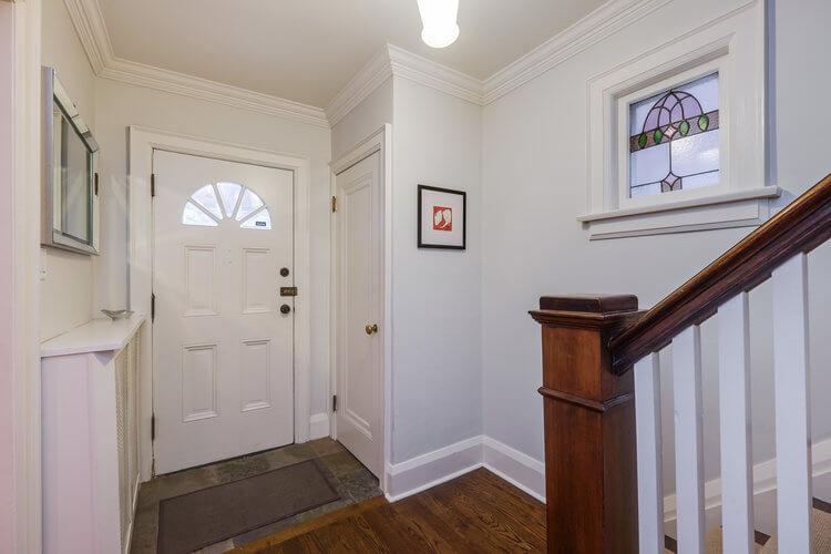 31 McNairn Ave - Foyer