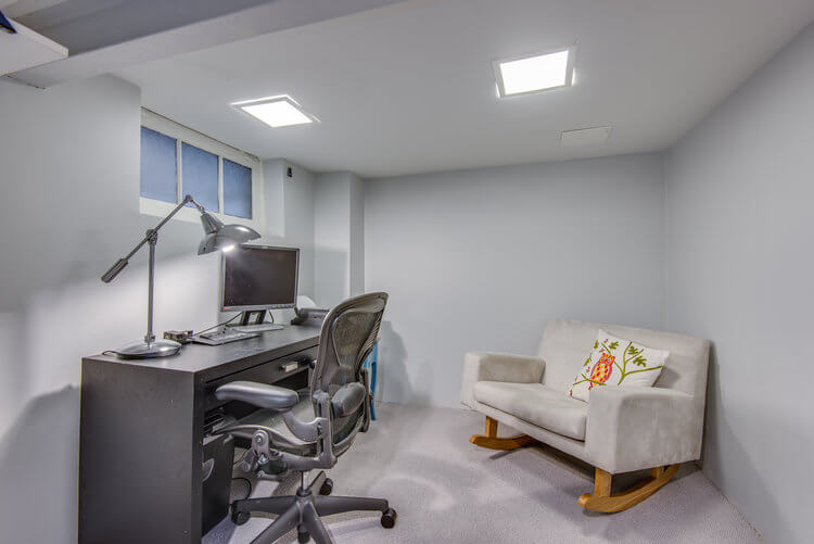 310 Cranbrook Ave - Office