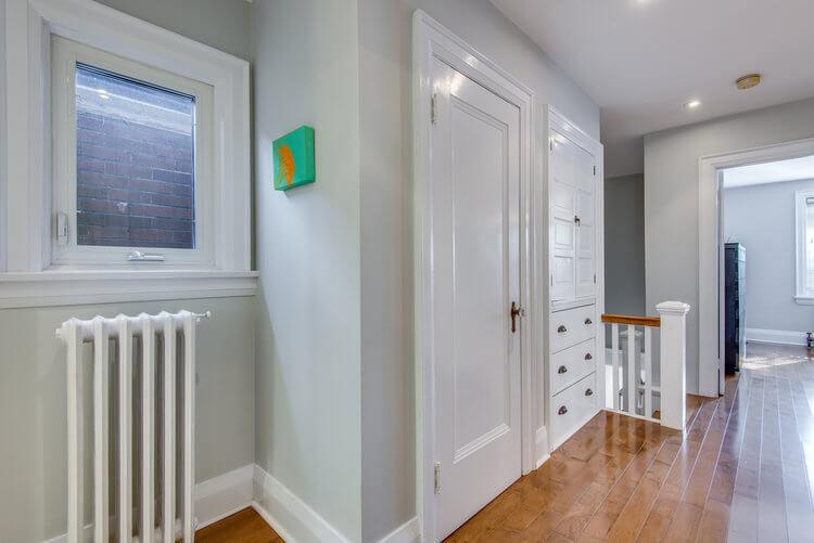 310 Cranbrook Ave - Upper hallway