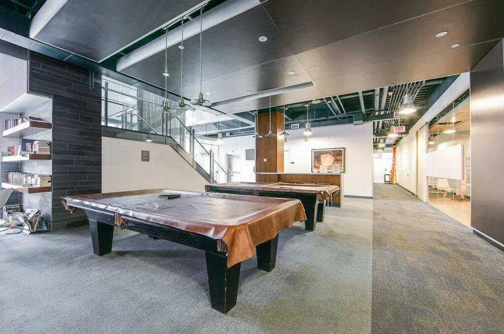 35 Mariner Terrace - Pool table