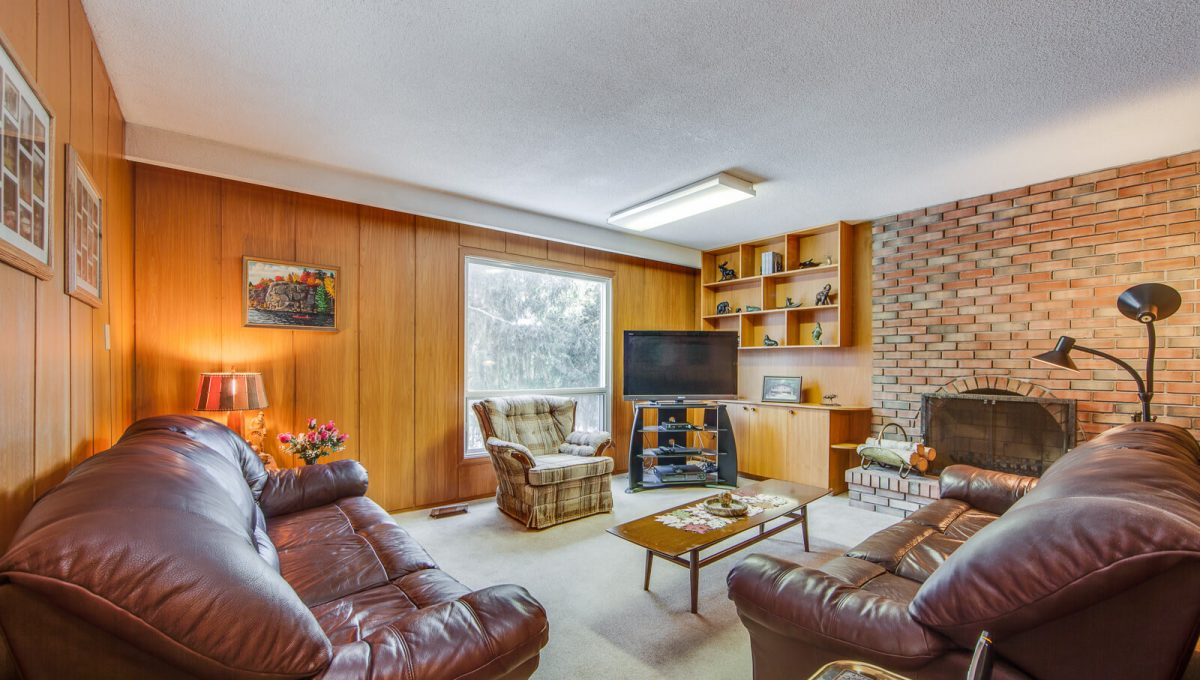 4 Argonne Cres - Family room