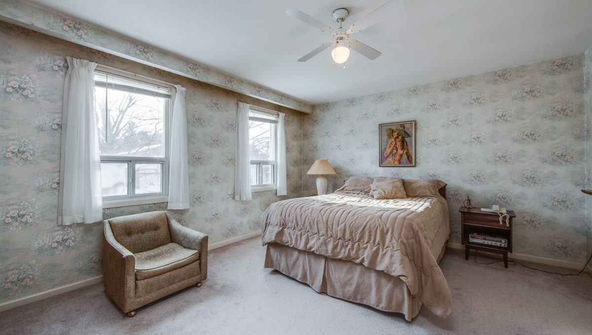 4 Argonne Cres - Master bedroom
