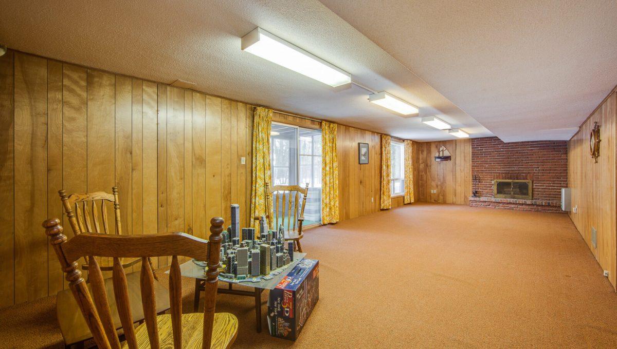 4 Argonne Cres - Rec room