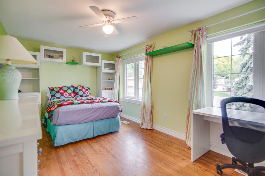 42 Skyview Cres - Bedroom