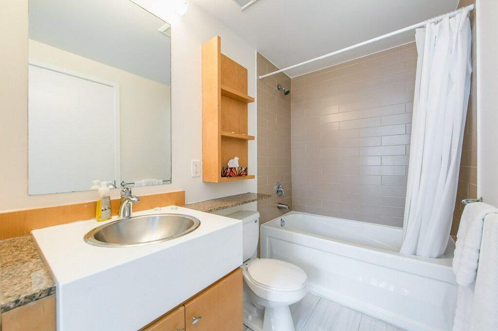35 Mariner Terrace - 4pc bathroom