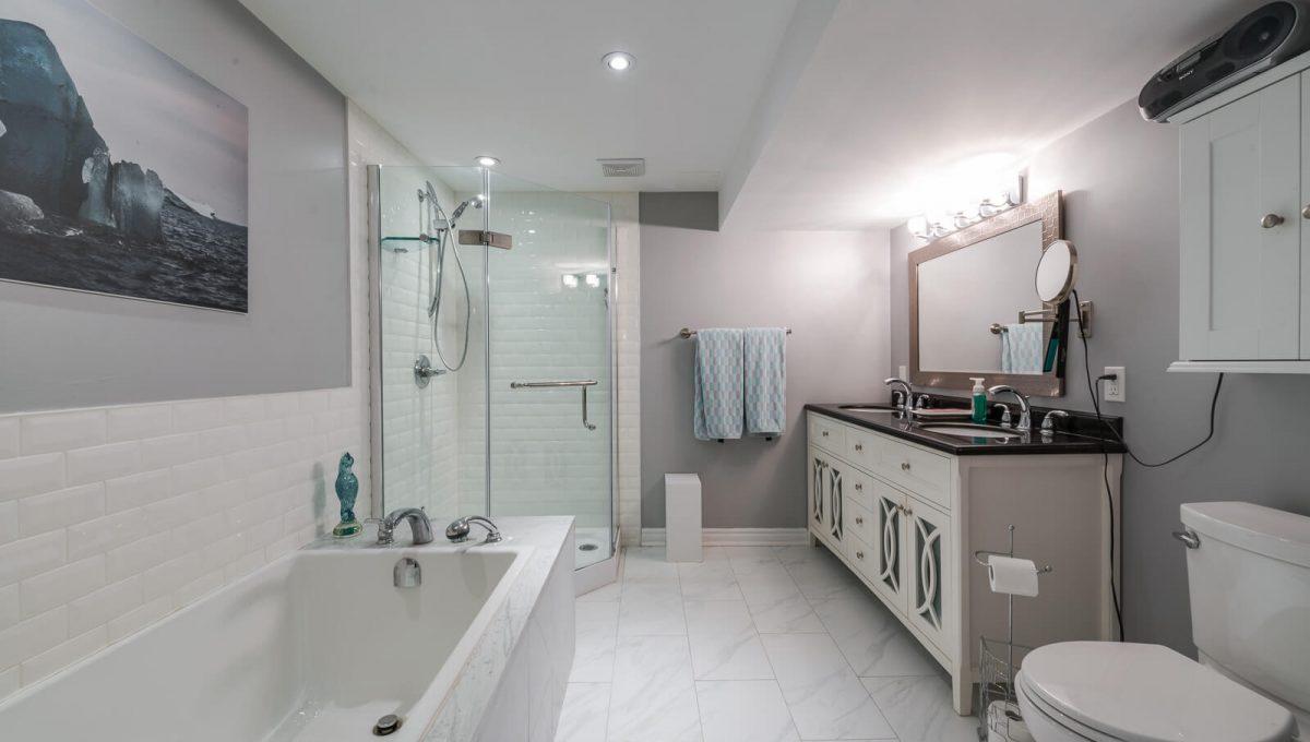 57 Sabrina Dr - Bathroom