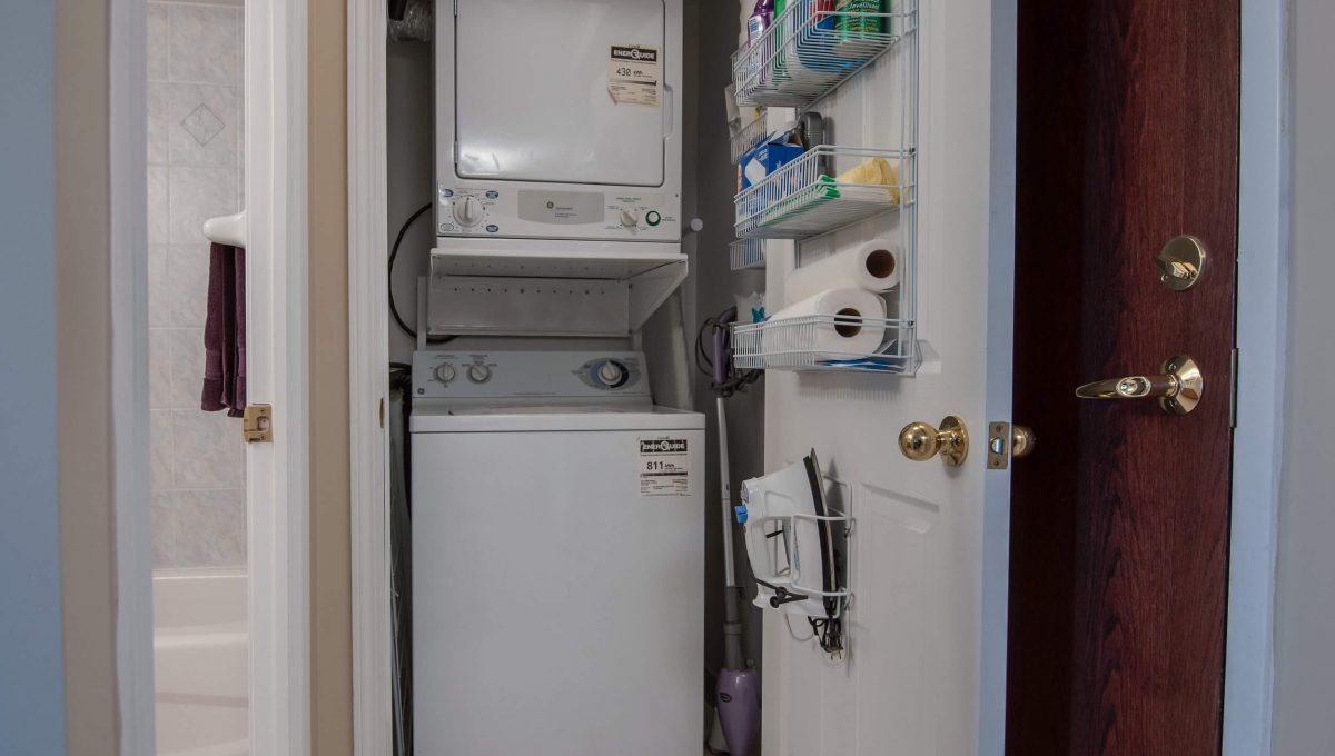707-39 Oneida Cres - Laundry