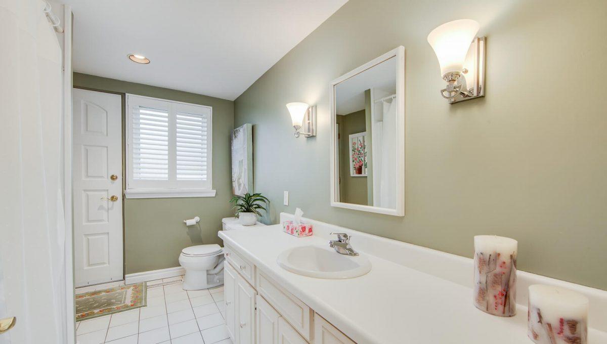 8 Boldmere Cres - 3pc bathroom