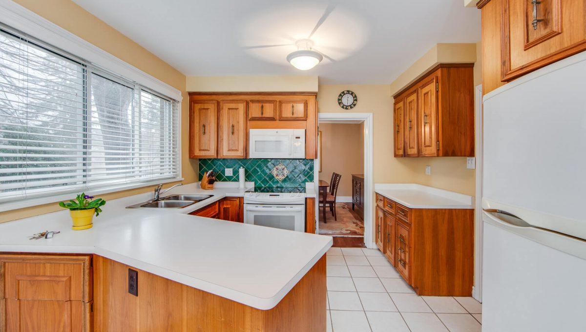 8 Boldmere Cres - Kitchen