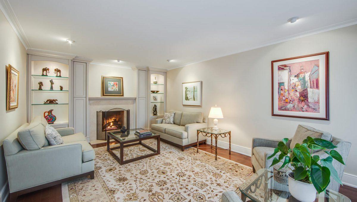 8 Boldmere Cres - Living room