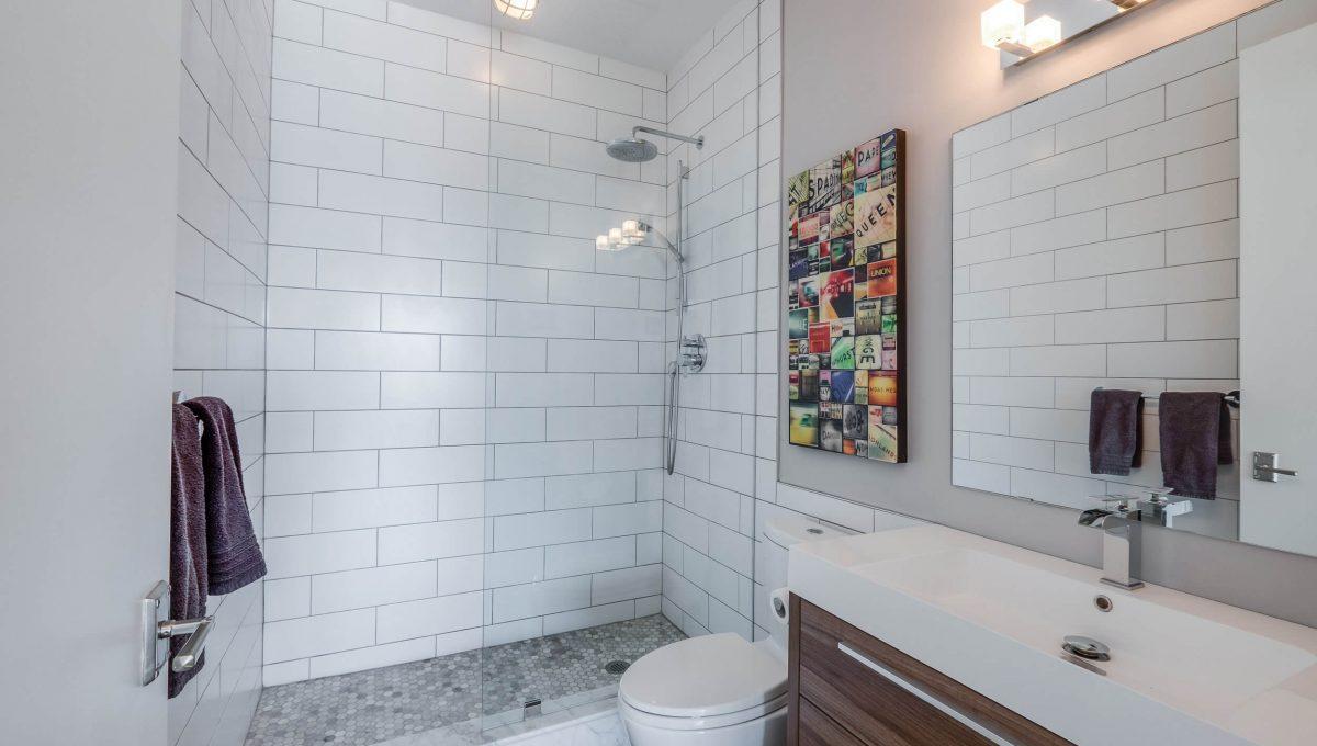 903-19 Brant St - Bathroom