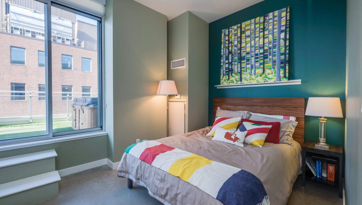 903-19 Brant St - Bedroom