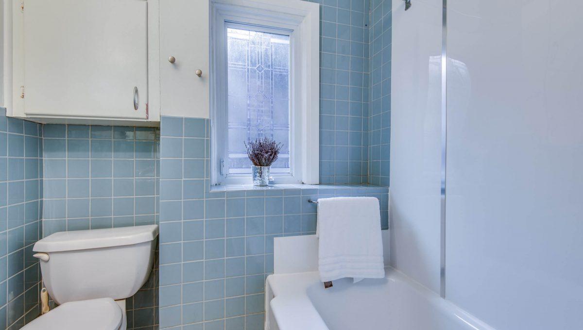 94 Curzon St - Bathroom