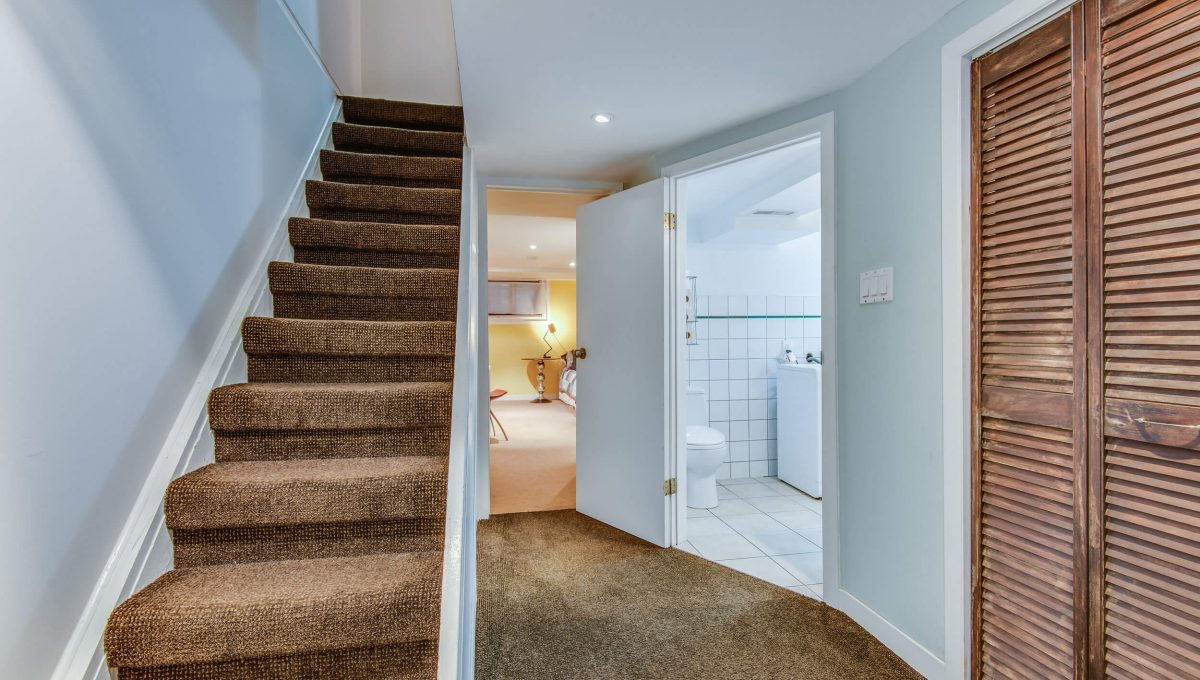 94 Curzon St - Stairs