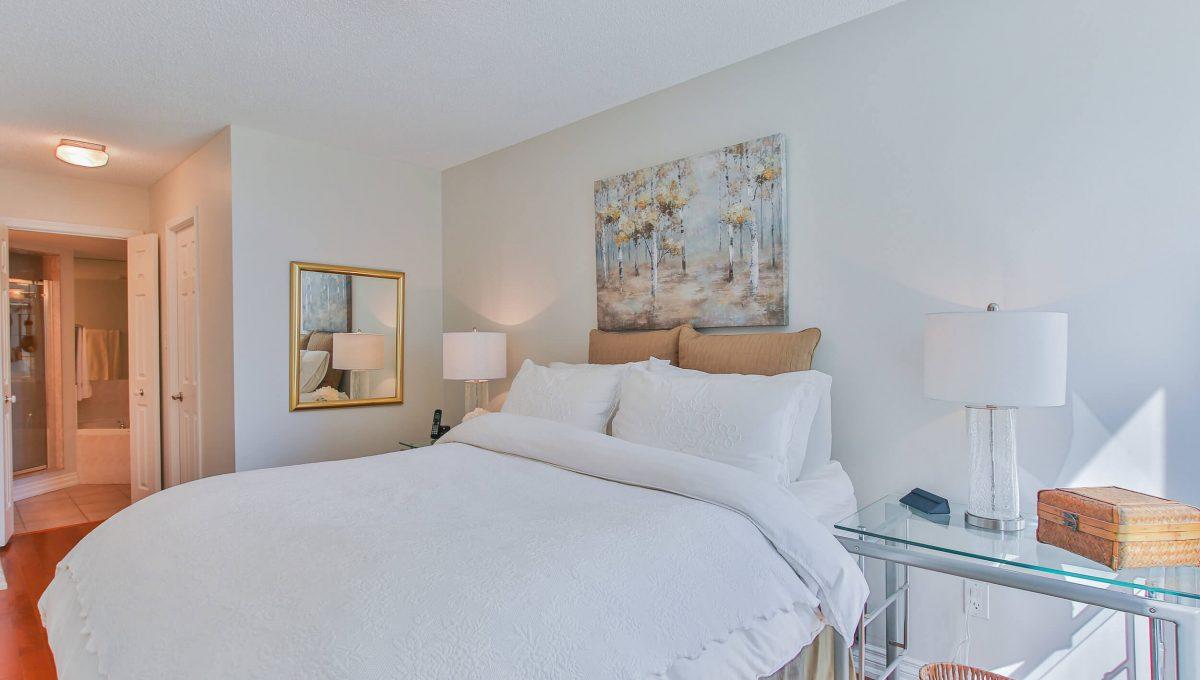 409-188 Redpath Avenue - Bedroom
