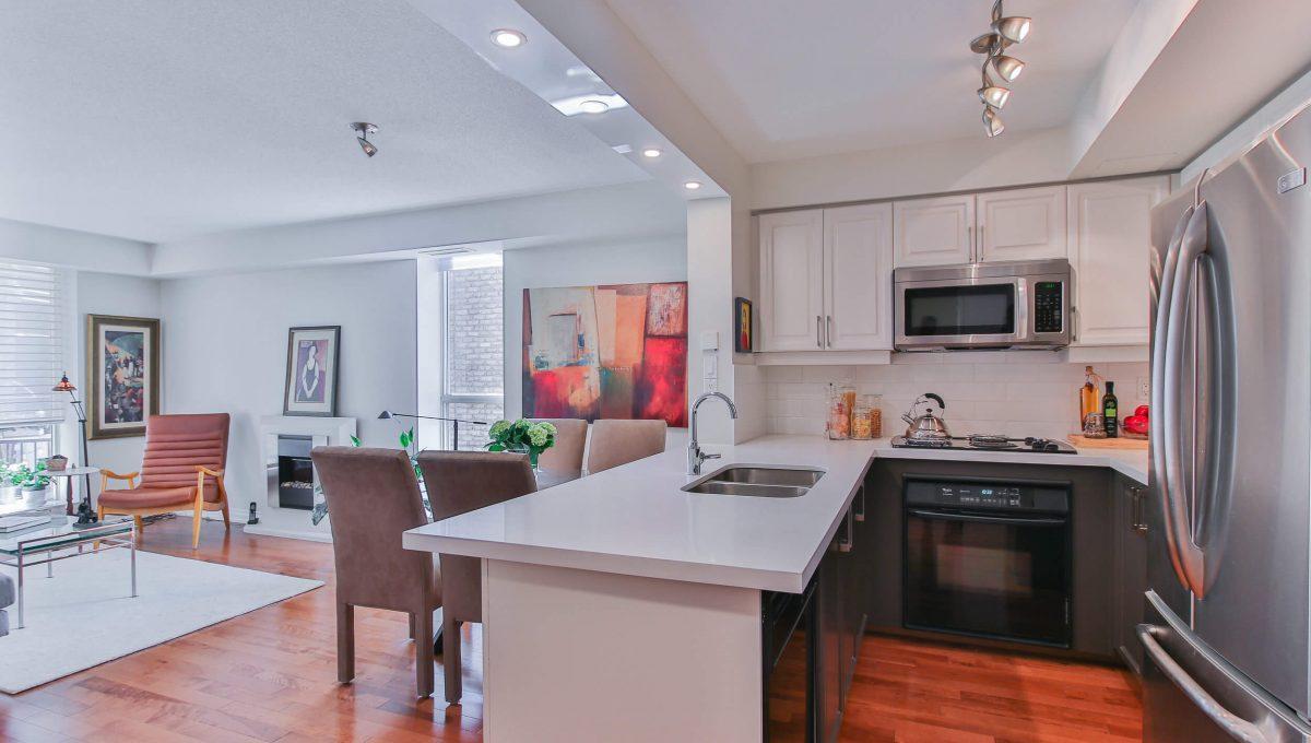 409-188 Redpath Avenue - Kitchen