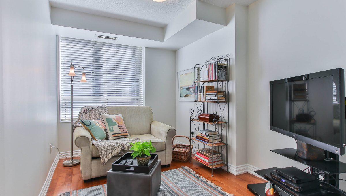 409-188 Redpath Avenue - Room