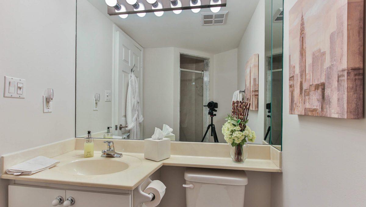 409-188 Redpath Avenue - Washroom