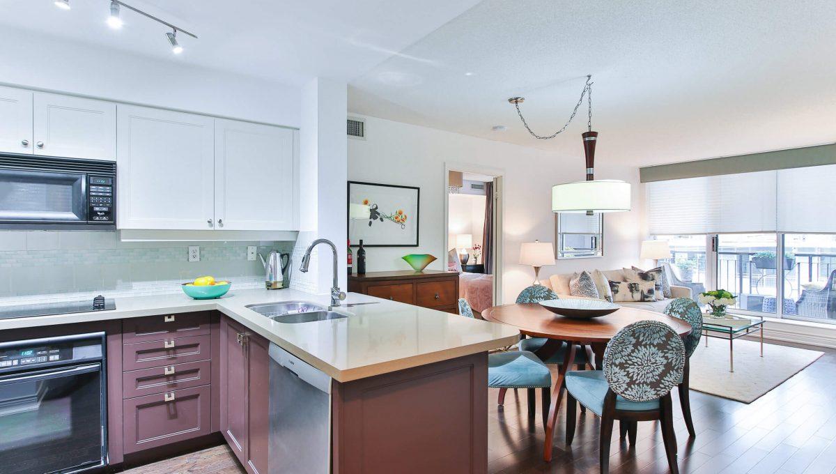 504-188 Redpath Avenue - Kitchen