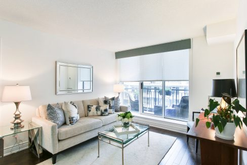 504-188 Redpath Avenue - Living room