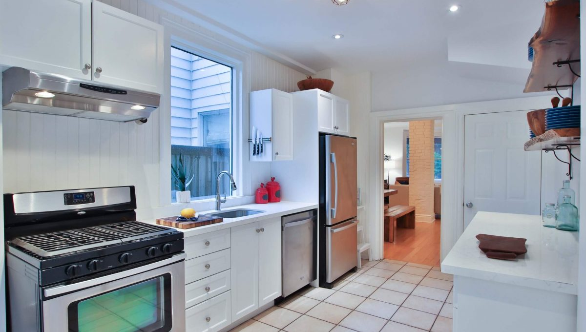 63 De Grassi Street - Kitchen