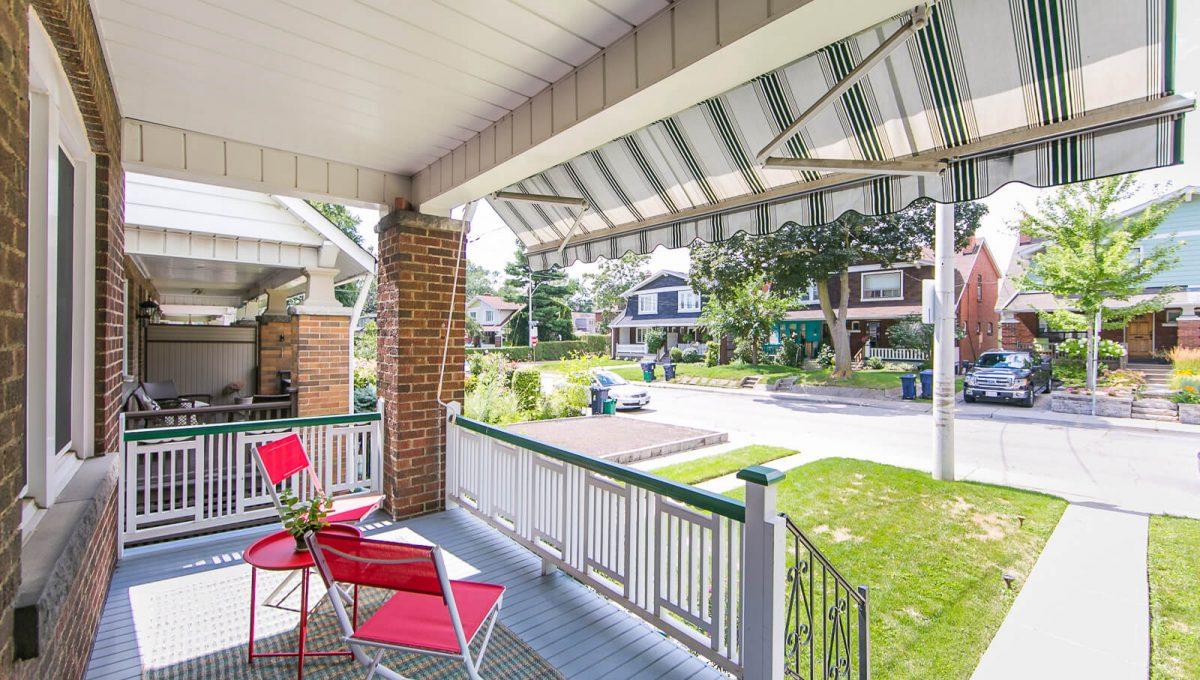 117 Linsmore Crescent - Porch