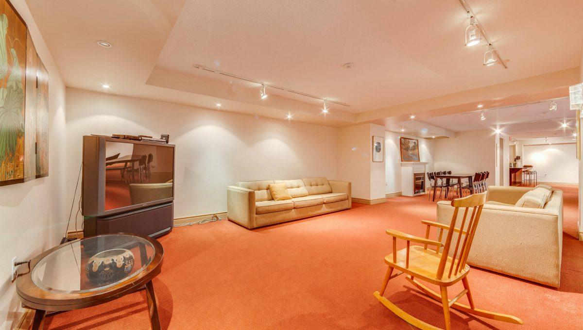 505-188 Redpath Avenue - Common Room