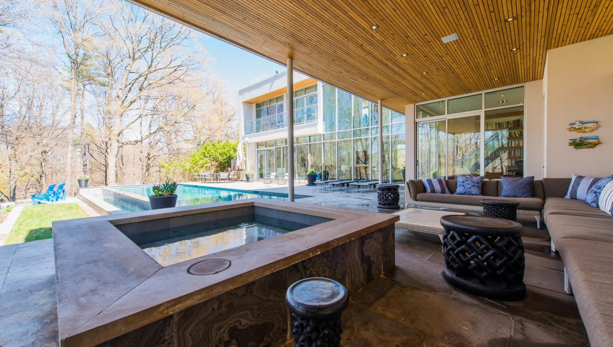 6 King Maple Place - Hot Tub