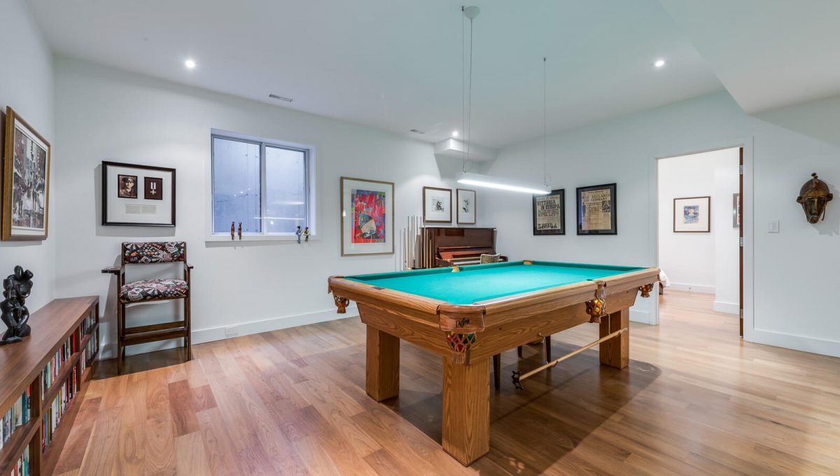 6 King Maple Place - Pool table
