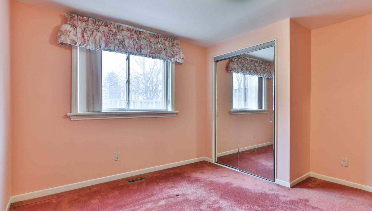 111 Rameau Dr - Bedroom