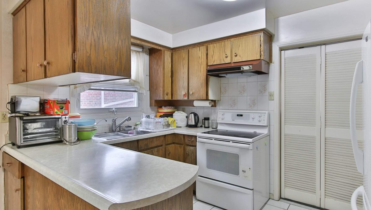 22 Oakhurst Dr - Kitchen