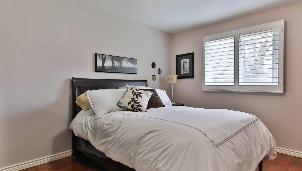 25-allview-cres_bedroom2