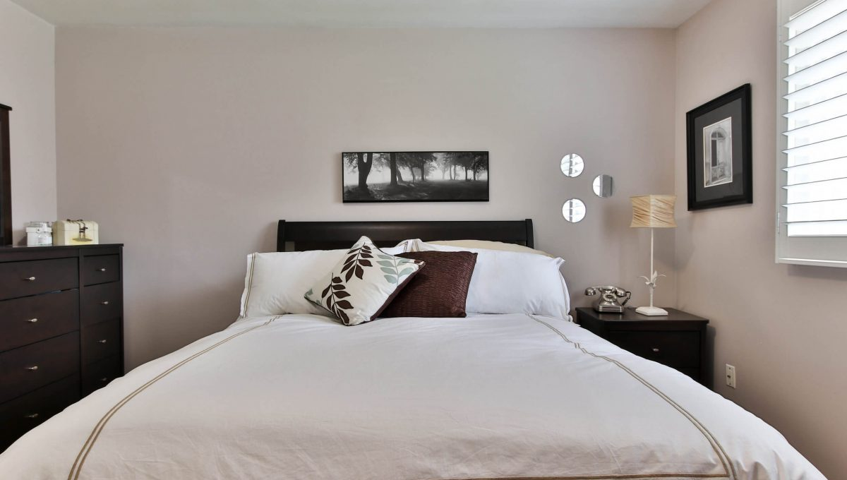 25 Allview Crescent - Bedroom