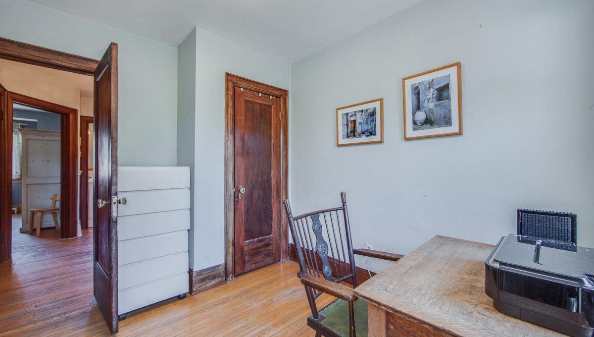 265 Brookdale Ave - Bedroom