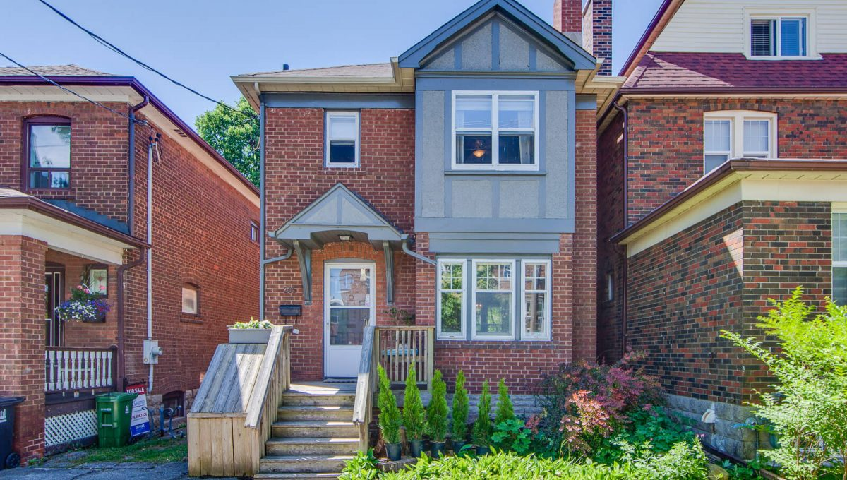 265 Brookdale Ave - Front